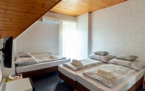 Füred Gyöngye Vendégház 4. szoba